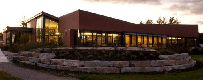 Picture of the Scugog Memorial Library in the evening